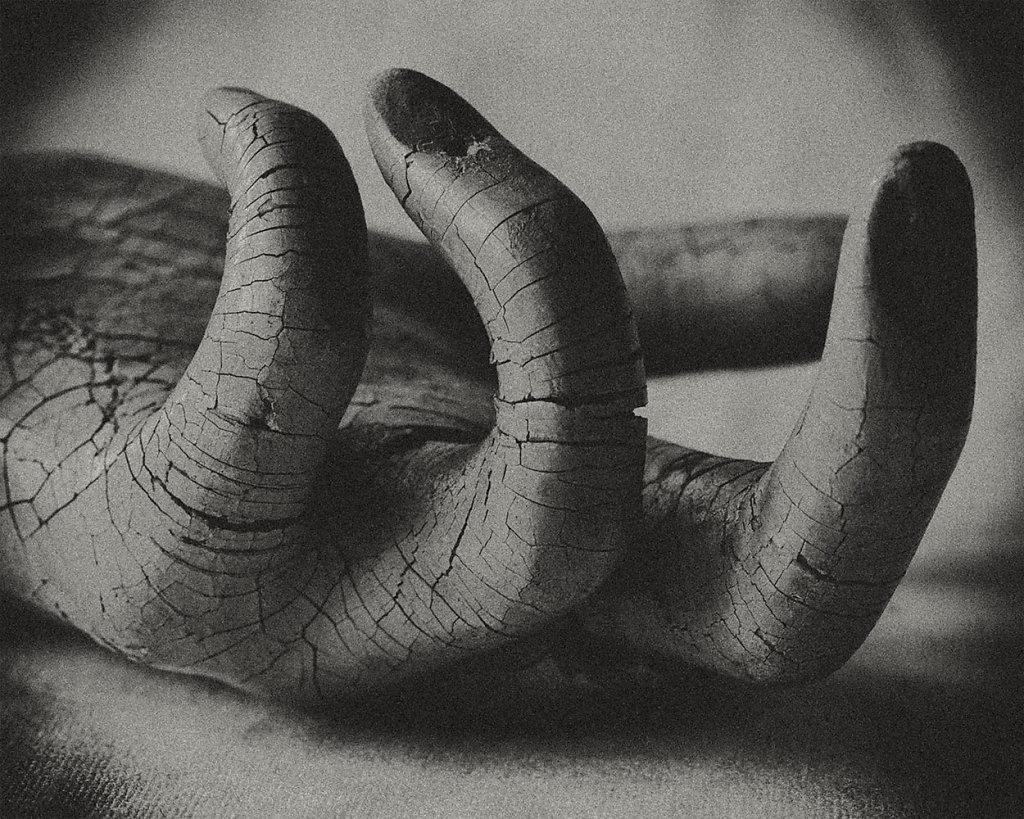 symonchow-hand.jpg